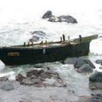 北朝鮮の木造船の意味はまさか!